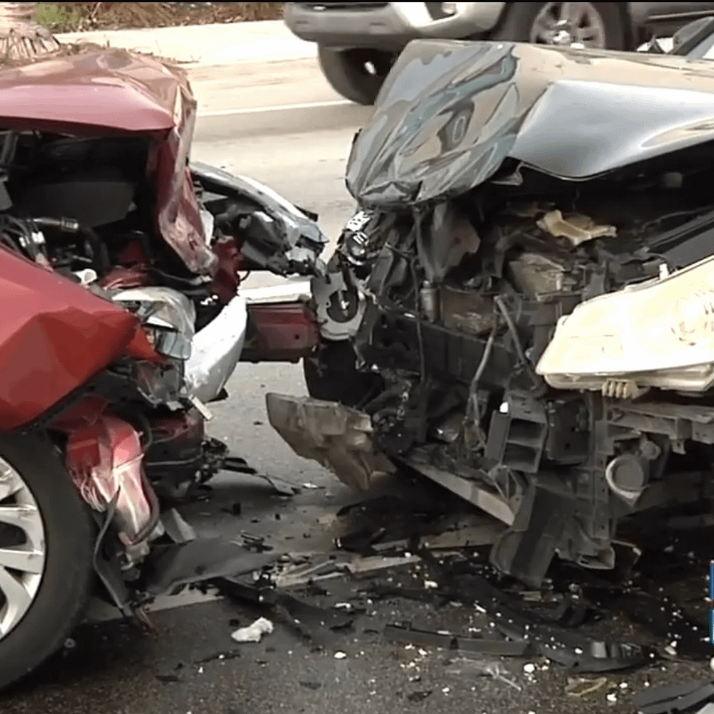 5 died and 5 injured in a car accident in Florida