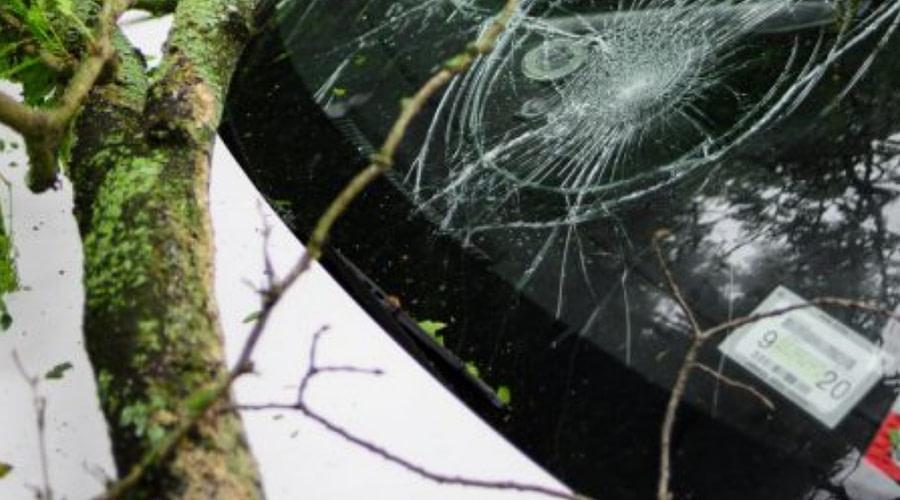 Metal Debris Crashes